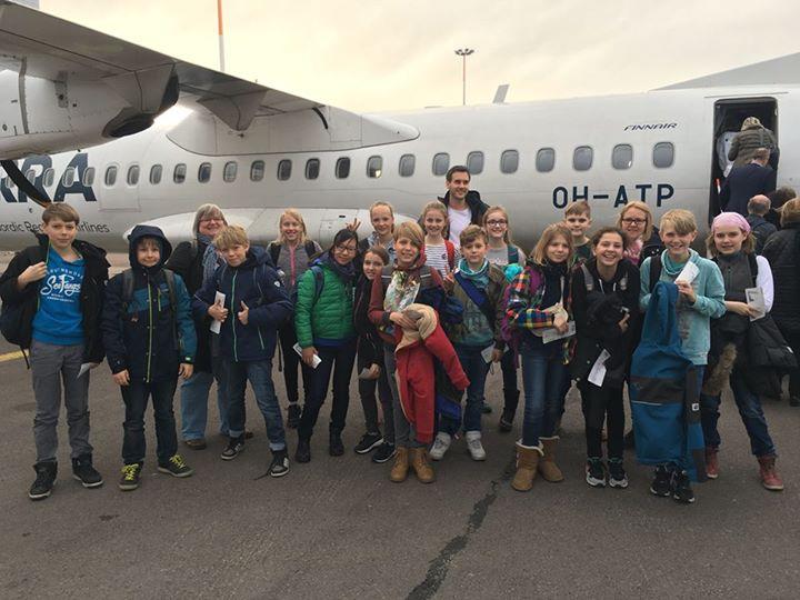Auf nach Joensuu Heute sind 16 Schülerinnen und Schüler mit drei Lehrkräften nac…