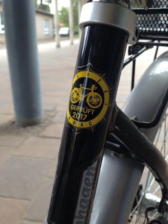 Alle Fahrräder verkehrssicher? Vielen Dank an unsere Polizei! Gestern und heute …