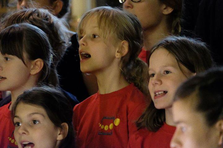 Beeindruckende Sommerkonzerte! Die beiden Sommerkonzerte unseres Schulchores sin…