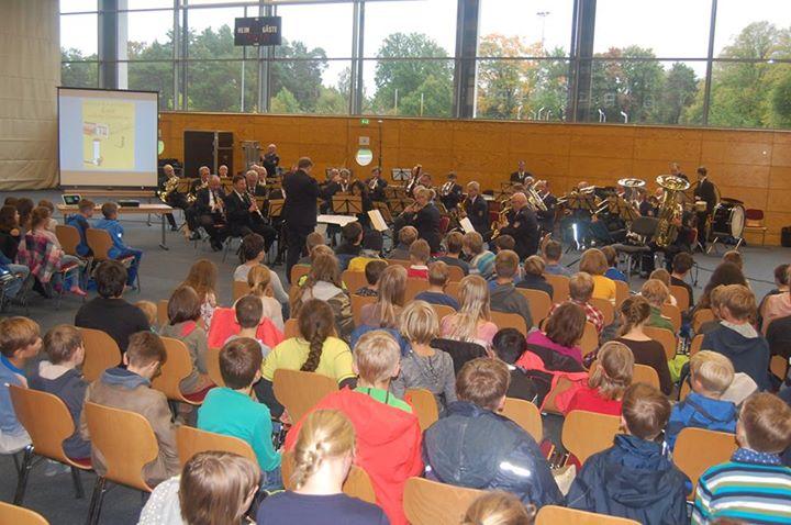 Emil… und das Polizeiorchester