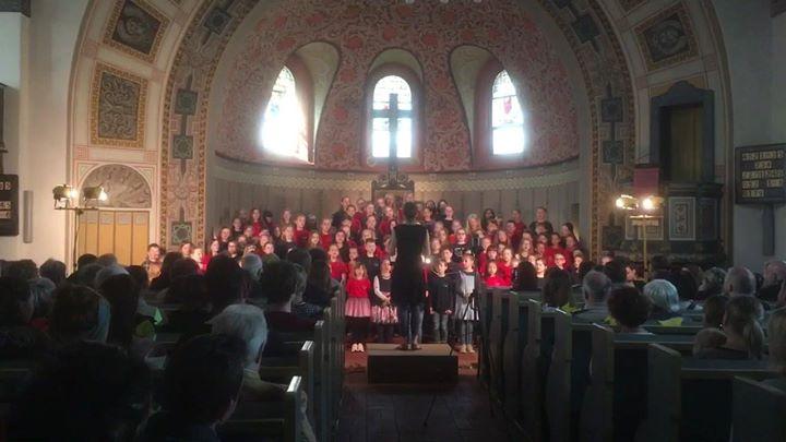 Die MAZ berichtet über unser Konzert:MAZ vor Ort: In der Evangelischen Kirche Ho…